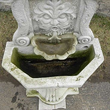 Cast Concrete Northwind Face Garden Fountain